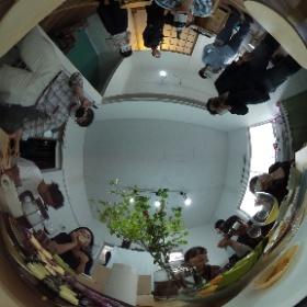 続)#リヴィエール(@IBARAKIDARKROOM)さんオープニングパーティーの様子、カラー暗室体験やビンゴ大会も無事に終わり、宴もたけなわ^^  #theta360