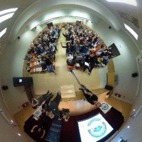 Aquí está la foto de 360 grados con la que podéis interactuar #devfestedu incluso en vuestras cardboards  #theta360
