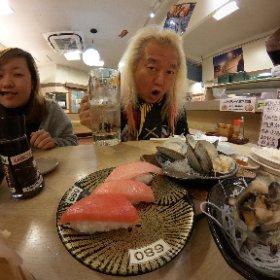 近所の独楽寿司、飲み放題500円を一度やってみたかった〜 2杯で元が取れるって凄いよなぁ・・・