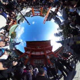 伏見稲荷  毎年恒例の初詣 #theta360