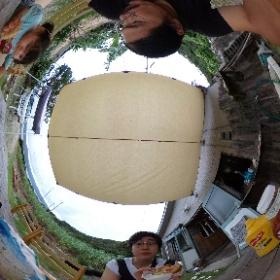 7月7日 崎原ビーチへ遊びに行く途中にあるイズムリカフェにてランチ。 ヘンプとバナナのスムージーと、 菜種油であげたポテトもかなり美味しい。 #奄美お試し移住