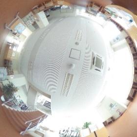 弘前医療福祉大学 総合図書館 1階 #theta360