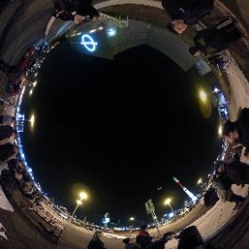 11 mai 2018 -  Cosmodôme de Laval 24 HEURES DE SCIENCE 2018 Quelques membres du club des Astronomes Amateurs de Laval, avec ceux du Cosmodôme, animent la soirée d'observation. Malgré toutes ces lumières, Jupiter est bien visible.