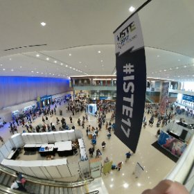It's getting busy at #ISTE17! #theta360