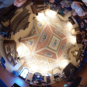 David Röthler und Marcus Jordan stellen beim #ijf16 in Perugia die Torial Academy vor, auf der sie MOOCs für JournalistInnen anbieten. #theta360 #theta360de