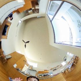 ■haus-wrap■ 本日、個別見学させていただいたついでにthetaでリビングを撮らせてもらいました。 オーナーのIさん、いつもありがとうございます! #建築家 #注文住宅 #新築 #設計 #デザイン #リビング #キッチン #hauswrap #haus #architecture #livingroom #design #kitchen #theta360