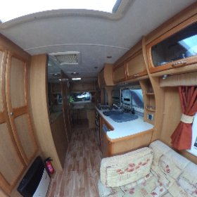 Compass Omega 505 - living area