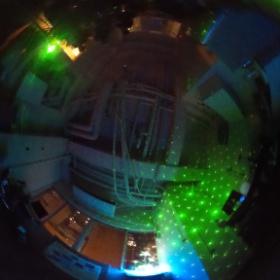 レーザーで光の壁with全天球写真。