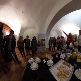 Gran grupo hoy con @diputacioncc @turismo_dipcc hablando de #innovación en #caceres con ejemplos de #InnoBBaccion #theta360