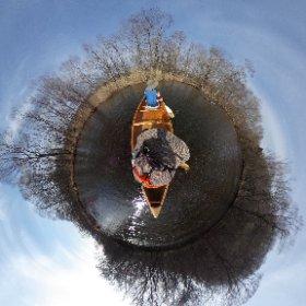 #釧路川 の真ん中で一休み #カナディアンカヌー #theta360