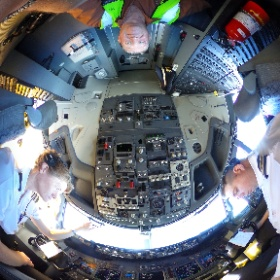 On the flightdeck with the crew from Kulula. South Africa 737-800. #kulula #theta360