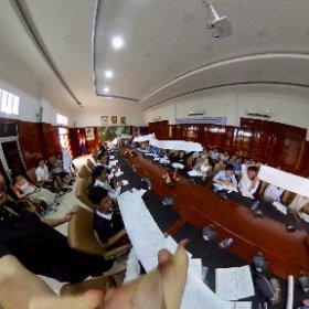 カンボジア王国経営大学の授業中シータΘ #theta360