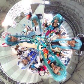 31日のマジミラでの写真です♡ メンバーのこだわりのコスをまじまじと見入ってしまいました🌸🌺🍄 #theta360