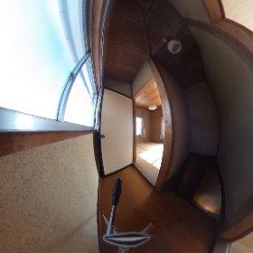 甲府市和田町2階階段上
