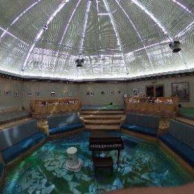 ドールハウス美術館。とてもおしゃれ。だけど温室を改造しているので、ちょっと暑い。 #theta360