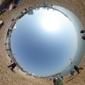 大連星海公園の砂浜にて。 #theta360