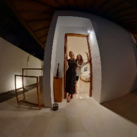 Ava and I arrived at our gorgeous villa with private pool... shame we are only here for one night! #villa #umasapna #umasapnaseminyak #bali #theta360 #theta360uk