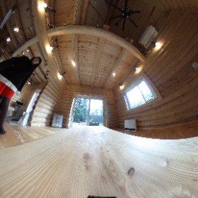 このログハウス、ホントに吉田くんが建てたの??? つてくらい見事な出来でした!(*^^*) 今度はゆっくり遊びに行かせてもらいますね♪ #theta360