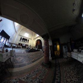 Sala principala - Spre salile mortuare - Crematoriul Cenusa