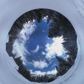 Wandern im Schnee oberhalb von Vallorcine