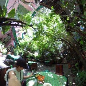 #旅猿 ロケ地、ベッキーが最初にごはんを食べたワンスアポンアタイムにきたよ。バンコクの喧騒が嘘みたい。しかもお料理おいしい。 #LoveThailand #AmazingThailand #theta360