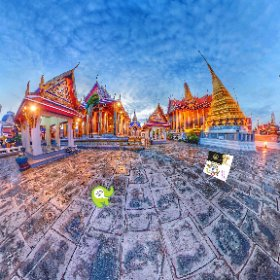 360 Spherical Gee team brief visit late in the day to the Grand Palace one of Bangkok's most popular destinations, our pics n vids  https://goo.gl/v8fcf7 BEST HASHTAGS  #BkkGrandPalace  #BkkCultural  #firefly3d #theta360