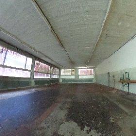 Renovationsbedürftiges Gewerbegebäude mit Garage und Einfamilienhaus in Zullwil zu verkaufen