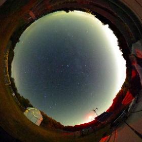 2018-07-12 Observatoire du Bois de Belle-Rivière de Mirabel Mars, Saturne et Jupiter sont présentes. Malheureux dôme de pollution lumineuse au dessus des villes avoisinantes. ISO 1000, 30sec