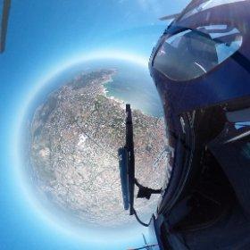 1500 m au dessus de Marseille en hélicoptère