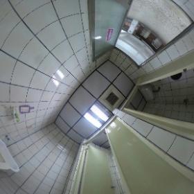 五權六路廠房-女廁