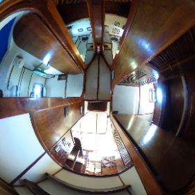 Corredor e entrada da Cabine 3 (Tripulação) do Veleiro Pangeia