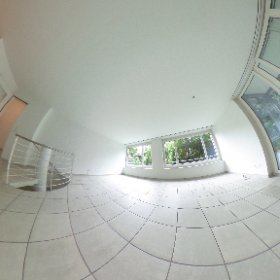 Moderne Maisonettewohnung mit Garten, Wintergarten und Parkplatz (Option Garage) in Bottmingen zu verkaufen