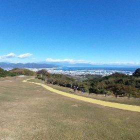 日本平ホテルからの富士山。駿河湾も空もまちもすべてが美しいです。 #theta360