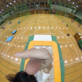 トランポリンの垂直ジャンプ中に撮影 #theta360