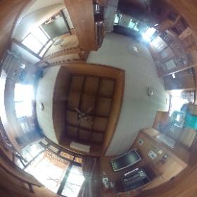 恩納村ペンションの1階部分です。広々とした空間でキッチンや冷蔵庫なども完備してます♪ http://marui-pension.com/