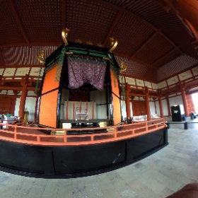 平城京大玉殿 高御蔵 今上陛下がもし退位されることになったら見られなくなるかもしれないから、是非見に行きなさいと勧められて見に来ました。  皇居にある、高御蔵そっくりに作られている #theta360