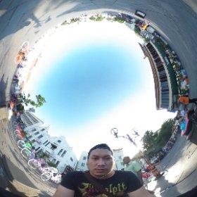 Akhirnya, setelah keliling gue cape juga, dan memutuskan untuk bikin 360 degree selfie :3  #theta360