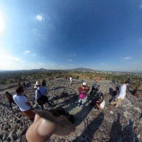 テティオワカンピラミッド頂上よりVR