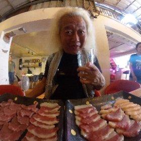 まいどお馴染みHIBACHIにて持ち込んだ馬刺しの試食会〜 しゃーないなぁ〜・・・