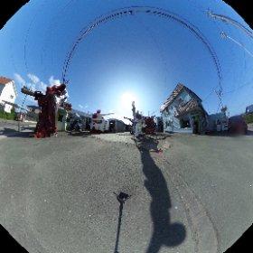 青森県おいらせ町、スズキ理容さんの手づくりガンダムコレクション! #theta360