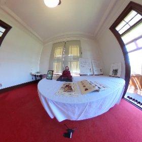 弘前学院大学外人宣教師館の書斎。 1926年にアメリカから贈られた親善人形「青い目のお人形」エリザベス・ハットンが展示されている。 #theta360