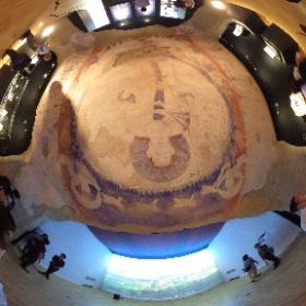 タリバンの爆破で失われたバーミヤン大仏天井壁画の復元。東京藝術大学 アフガニスタン特別企画展「素心 バーミヤン大仏天井壁画」~流出文化財とともに~ 、にて。先週の日曜美術館効果と来週で終了なことが相まって混んでた。閉館間近でやっとTHETA写真か撮れそうな人口密度に。 #theta360