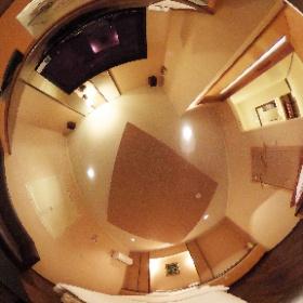 【与那原自動車ホテル】お部屋番号【8号】リッチで高級感があるモダンなお部屋で、優しい空間となっております。リラックスできる空間でごゆっくりとおくつろぎください。  ホームページはこちら↓  http://yonabaru-hotel.com