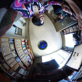 Showing my friend Ann how to use her new Theta. First picture! #theta360