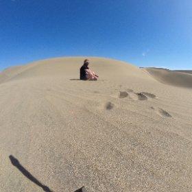 В детстве песочница во дворе была несравненно меньше...
