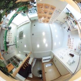 石川県にあるふくろうカフェ「ふくろうcafe金沢」の全天球画像でございます!