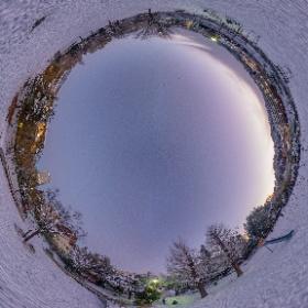 撮影はTheta Z1 , THETA Stitcherにてスティッチ後 PhotoDirectorで三脚ボカシ等を追加 #snow3d #theta360