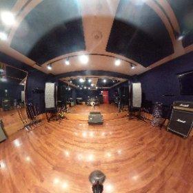 【#店舗情報】今回は360°カメラでCstをご紹介!22帖の広さで大人数でのリハやゲネプロにも使えます!ドラムには#sonor のSQ1シリーズ導入! #studionoah #shibuya #rehearsal #リハスタ #スタジオ #ゲネプロ #渋谷