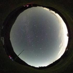 沈む夏の大三角、昇るオリオン 秋の夜空です(2019年10月撮影)