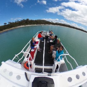Roll out the red carpet ..err towel for our VIP guests.  Wine, sun, sand and great vibes at Maria Island 🌴 #theta360